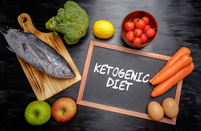 Image of Food containing ketones: fish, tomatoes, carrots, apples, broccoli | MCI 911