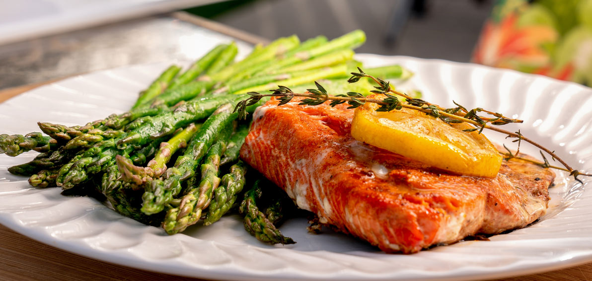 Ketogenic Diet Recipe: Simple Salmon Dinner for Two | MCI 911